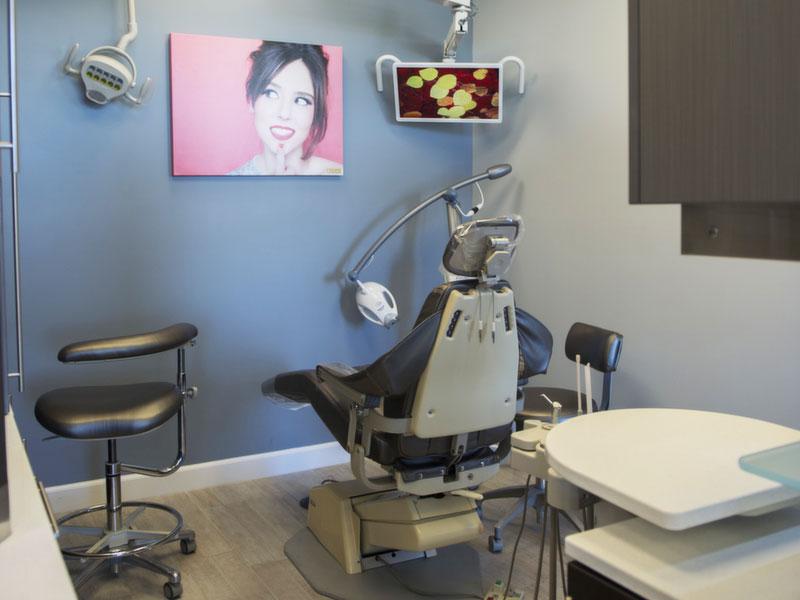 dentist smileinla office